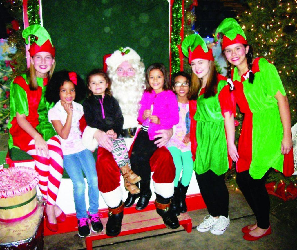 Santa & Girls - 100_8203